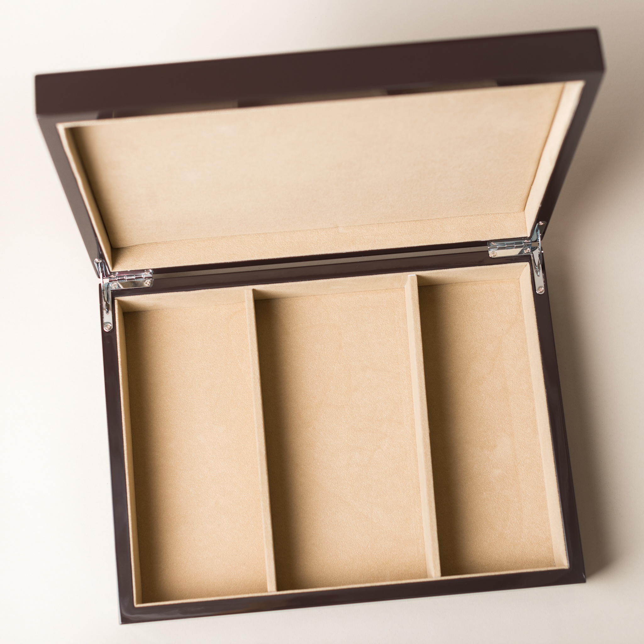 The Hives & Honey coffee table box with our super glossy finish
